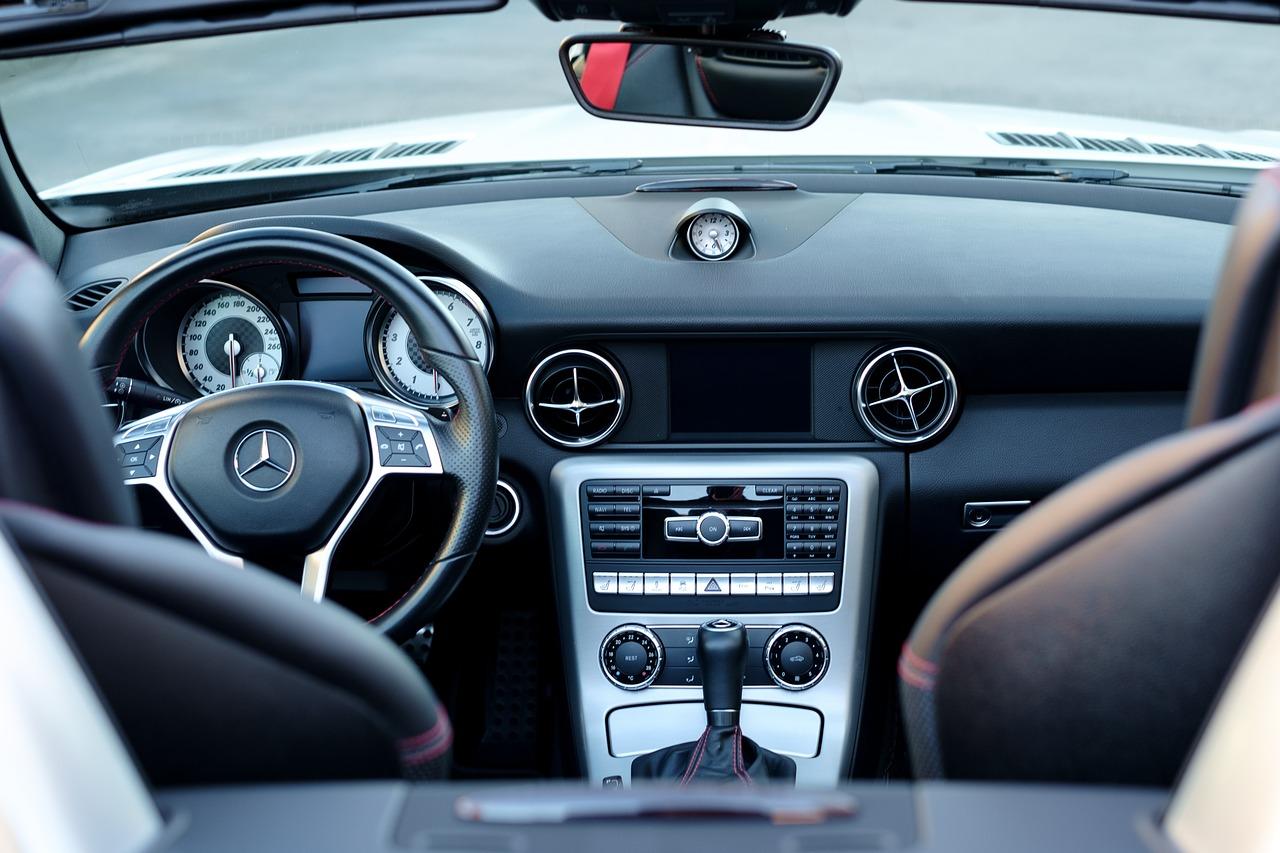 Czy warto korzystać z usług wypożyczalni samochodów?