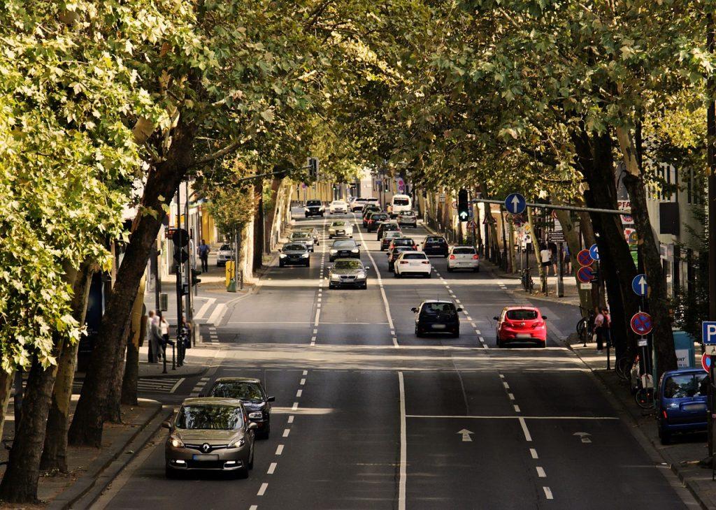 Co warto wiedzieć przed wypożyczeniem samochodu?